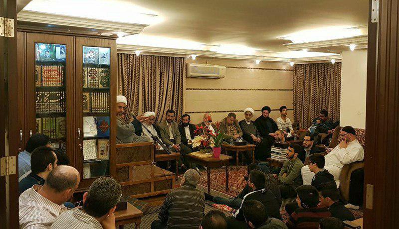 تصویر گرامیداشت سالروز میلاد امیرالمومنین علیه السلام در دفتر آیت الله العظمی شیرازی در بیروت