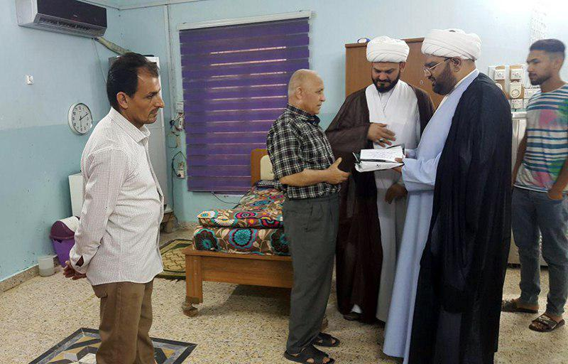 تصویر بازدید اعضای موسسه اهل بیت علیهم السلام از خانه سالمندان شهر بصره