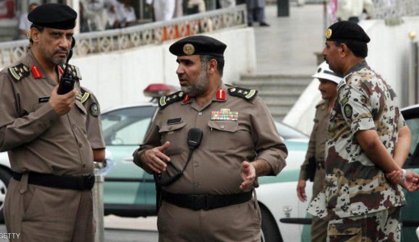 تصویر یورش نظامیان سعودی به حسینیه شیعیان در قطیف
