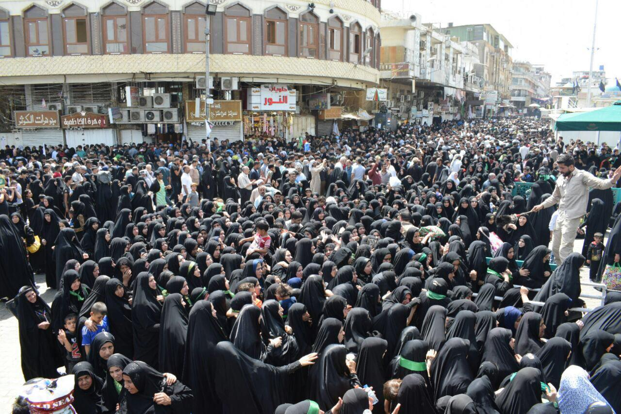 تصویر میلیون ها زائر با پای پیاده وارد کاظمین شدند