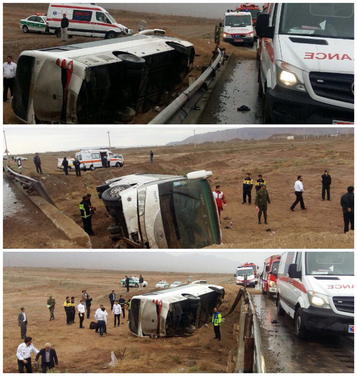 تصویر واژگونی اتوبوس اتباع هندوستان در مسیر مشهد- قم