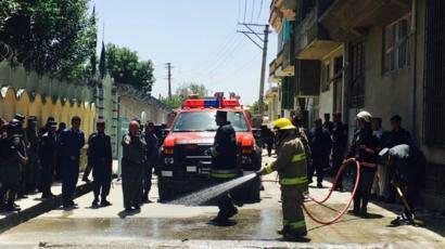 تصویر انفجار انتحاری در منطقه شیعه نشین کابل در یک مرکز توزیع شناسنامه