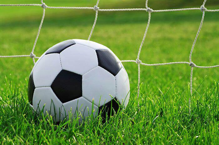تصویر دروازه بان تیم ملی فوتبال زنان سوئد به دین اسلام گروید