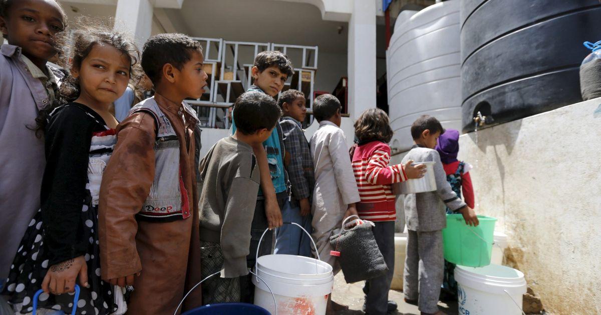 تصویر ۲۲ میلیون نفر از مردم یمن نیازمند کمکهای فوری غذایی و پزشکی