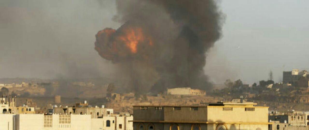 تصویر در حملات جنگنده های عربستان به شهر صنعا، پنج غیرنظامی یمنی به شهادت رسیدند