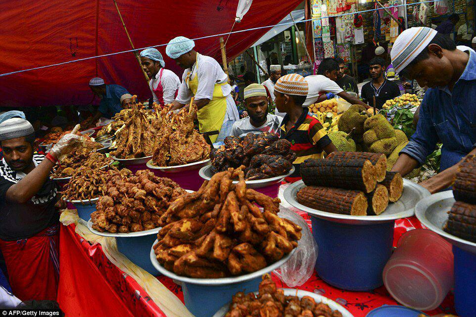 تصویر با حضور بیش از ۵۰۰ مسلمان و مسیحی: مراسم افطار میان ادیانی در پایتخت کشور آفریقایی کنیا برگزار شد