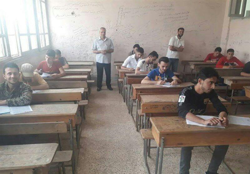 تصویر شرکت دانش آموزان شهرهای شیعه نشین فوعه و کفریا در امتحاناتت پایان سال
