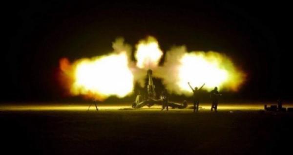 تصویر حمله نیروهای عراقی به مواضع داعش در مرز سوریه
