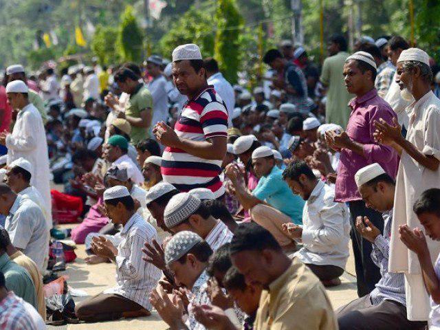 تصویر انتشار ویدئو برهم زدن نماز مسلمانان توسط هندوها در فضای مجازی