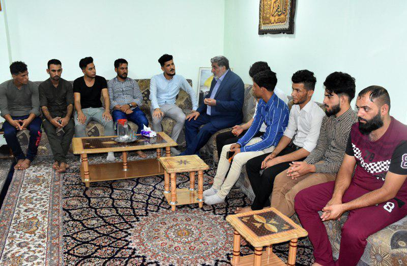 تصویر دیدار جمعی از جوانان با مدیر مرکز روابط عمومی مرجعیت