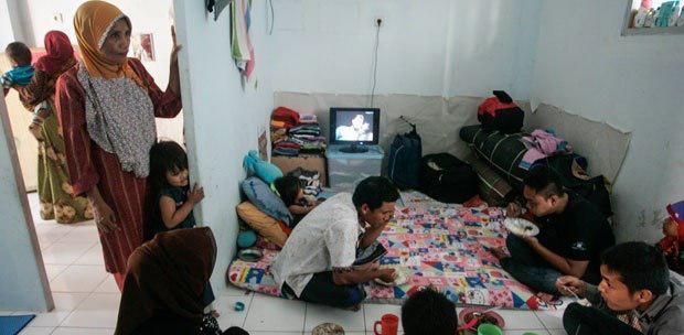 Photo of شرایط سخت زندگی شیعیان فراموش شده «سامپانگ» اندونزی و فشارهای وهابی ها بر شیعیان