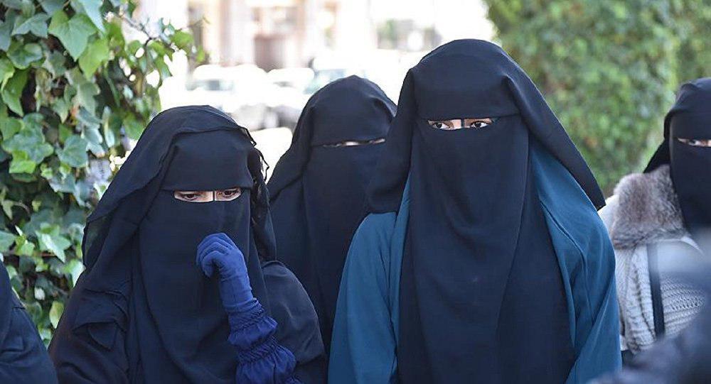 تصویر پارلمان هلند ممنوعیت پوشاندن چهره را تصویب کرد