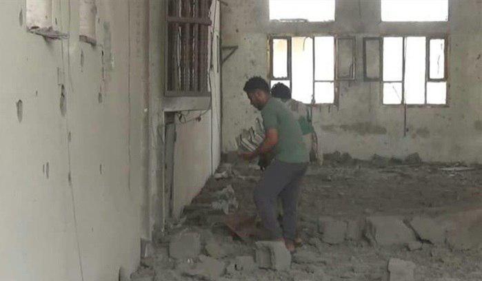 تصویر 3 شهید در حمله ائتلاف سعودی به مدرسه ای در یمن