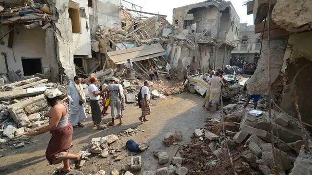 تصویر 20 شهید و زخمی در حمله جنگندههای سعودی به یمن