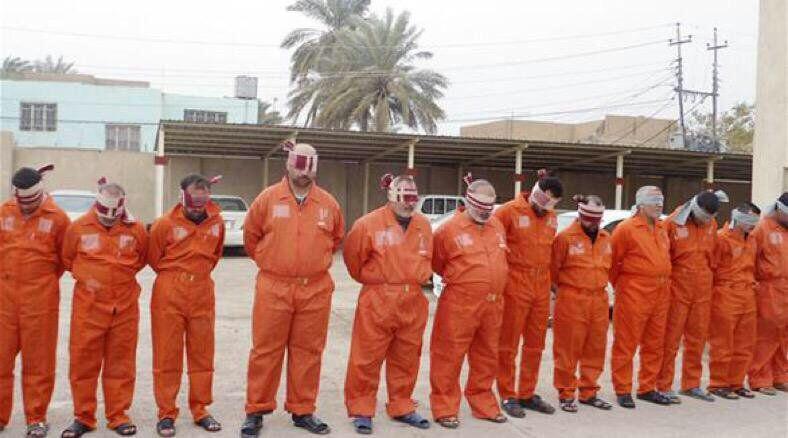 تصویر رئیس جمهور عراق حکم اعدام تروریستهای داعش را تایید کرد