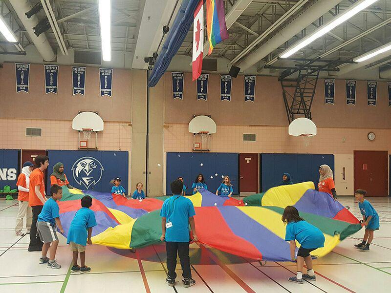 تصویر اردوگاه تابستانی کودکان متعلق به «ادیان ابراهیمی» در کانادا برگزار شد