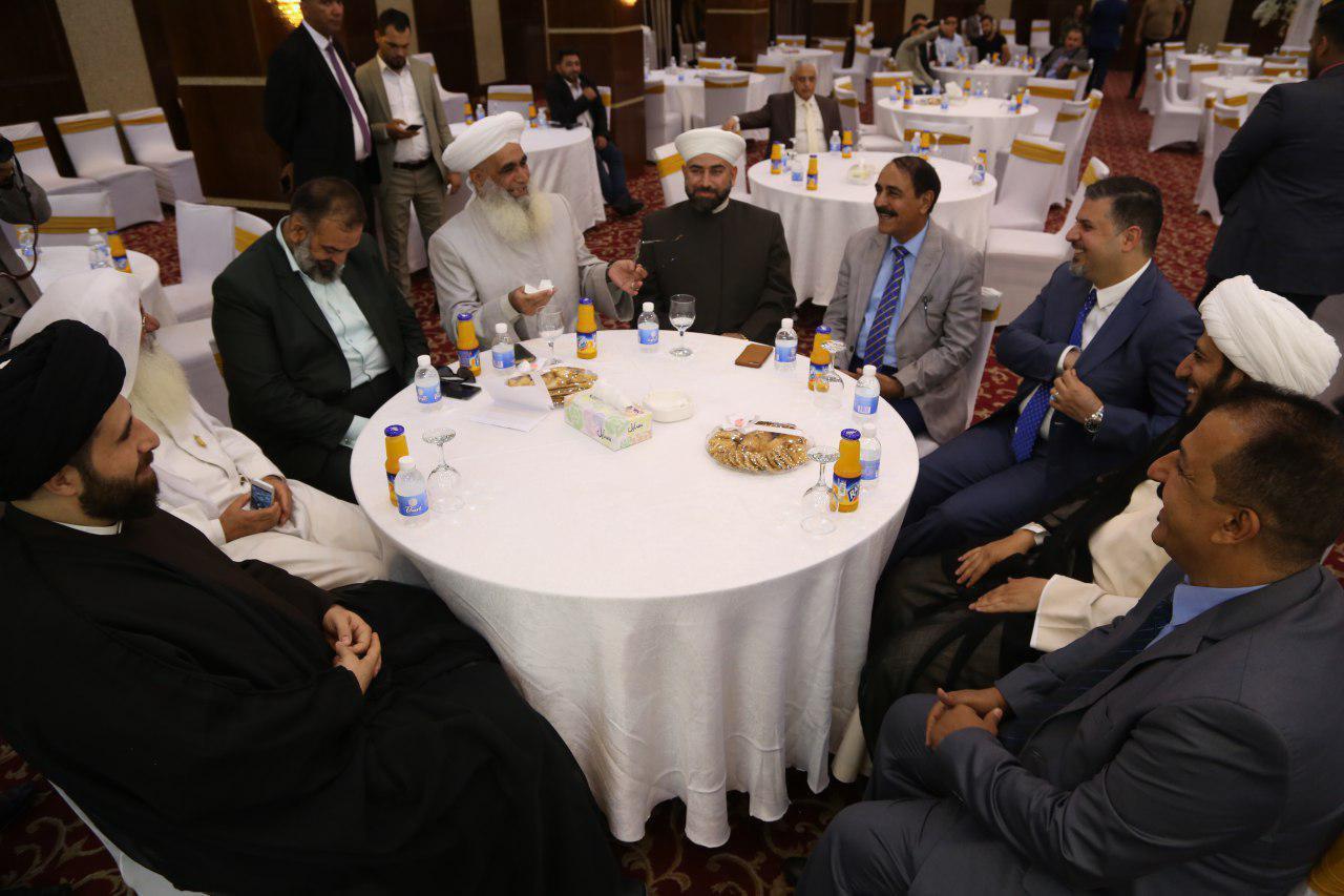 تصویر برگزاری کنفرانس خبری طرح «خانه مودت» بزرگترین طرح ازدواج جوانان عراق، در بغداد