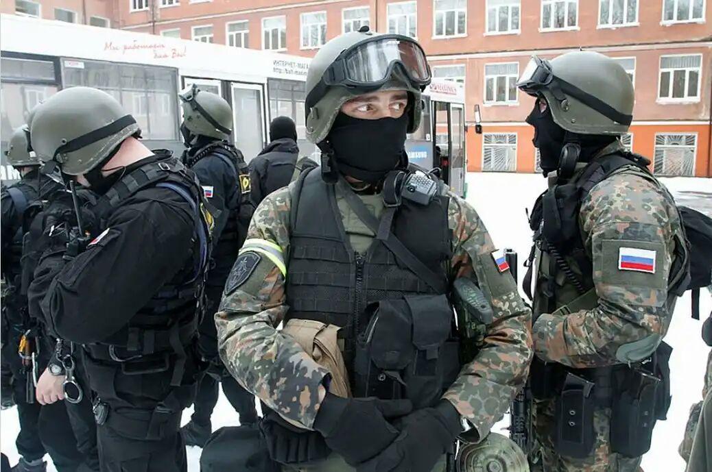 تصویر بازداشت 9 تروریست داعشی در روسیه