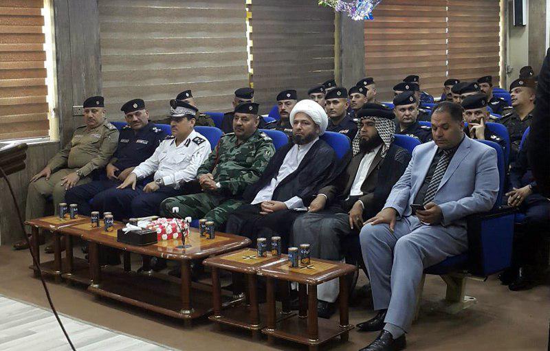 تصویر ملاقات نماینده آیت الله العظمی شیرازی با مسئولان امنیتی استان بابل عراق
