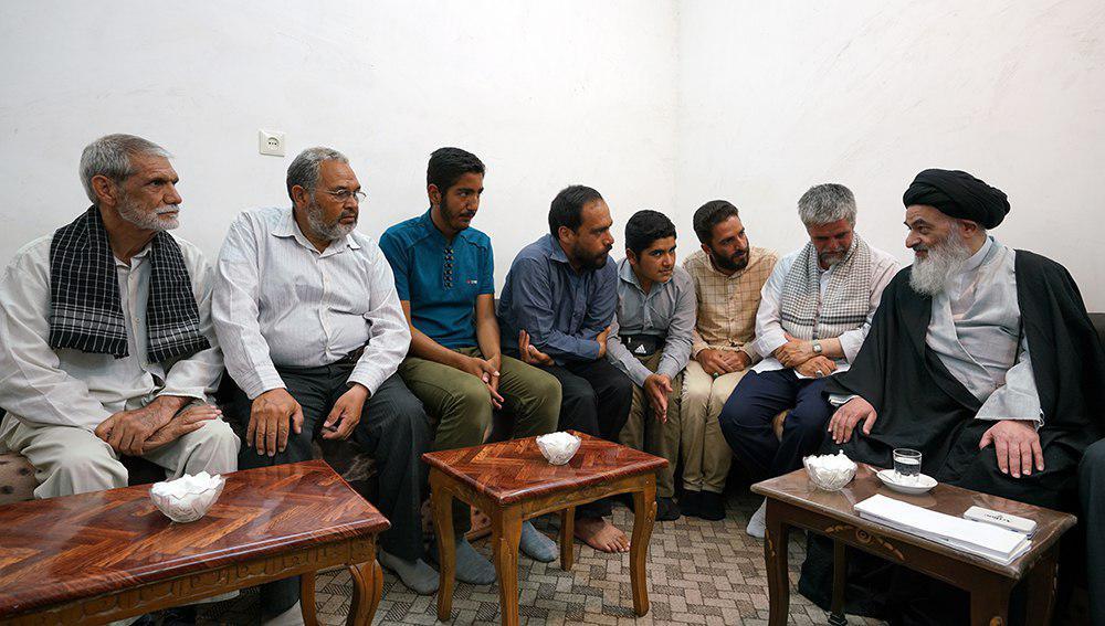 تصویر اعضای هیئت منتظران المهدی عجل الله تعالی فرجه الشریف در بیت مرجعیت شهر مقدس قم