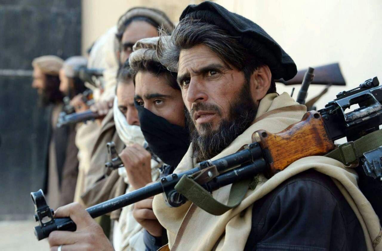 تصویر سقوط یک پایگاه ارتش افغانستان توسط عناصر طالبان