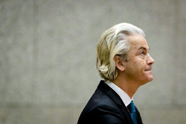 تصویر تلاش رئیس حزب افراطگرای هلندی برای تعطیلی مساجد