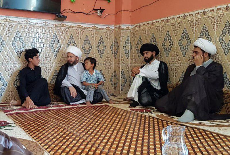 تصویر رسیدگی به نیازهای خانوادههای شهدای الحشد الشعبی توسط نماینده آیت الله العظمی شیرازی