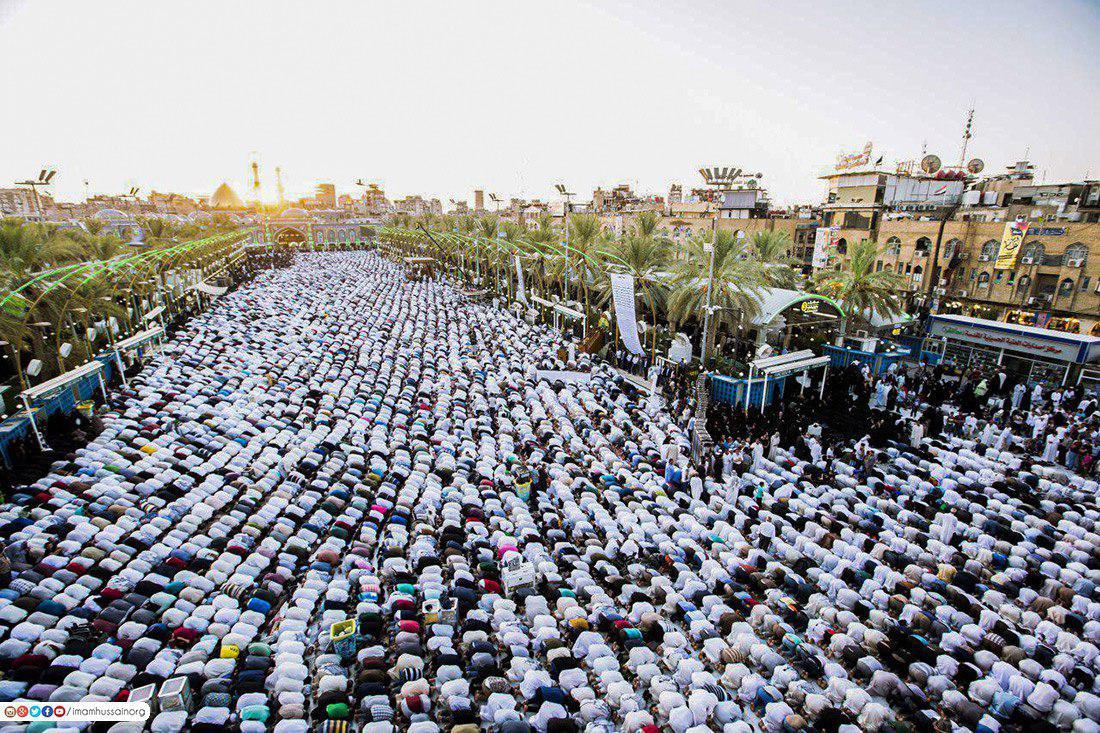 تصویر گزارش تصویری ـ برپایی نماز عید سعید قربان در بین الحرمین در شهر مقدس کربلا
