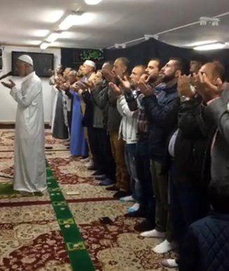 تصویر اقامه نماز عید سعید قربان در حسینیه حضرت سیدالشهدا علیه السلام در کشور سوئد