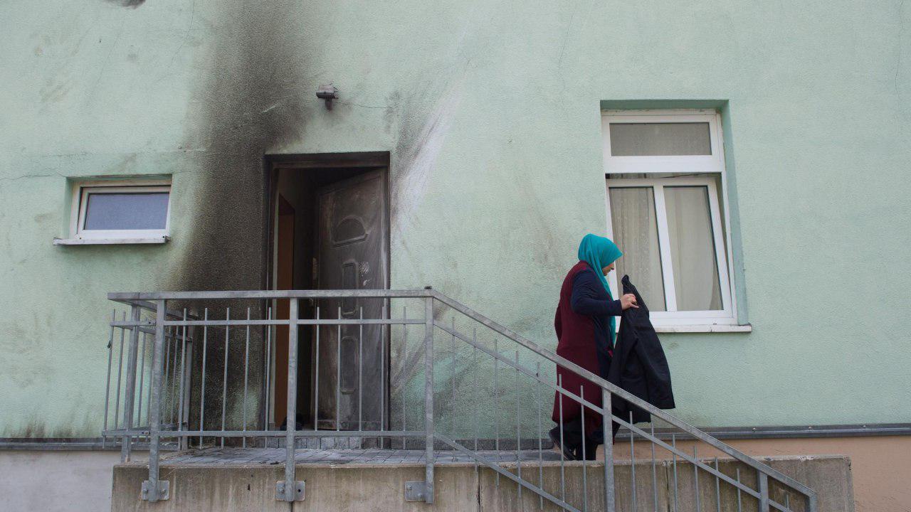 تصویر ۱۰ سال حبس برای یک افراطی حمله کننده به یک مسجد در آلمان