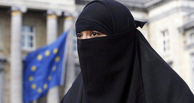 تصویر گردشگر مسلمان در دانمارک به خاطر پوشیه جریمه شد