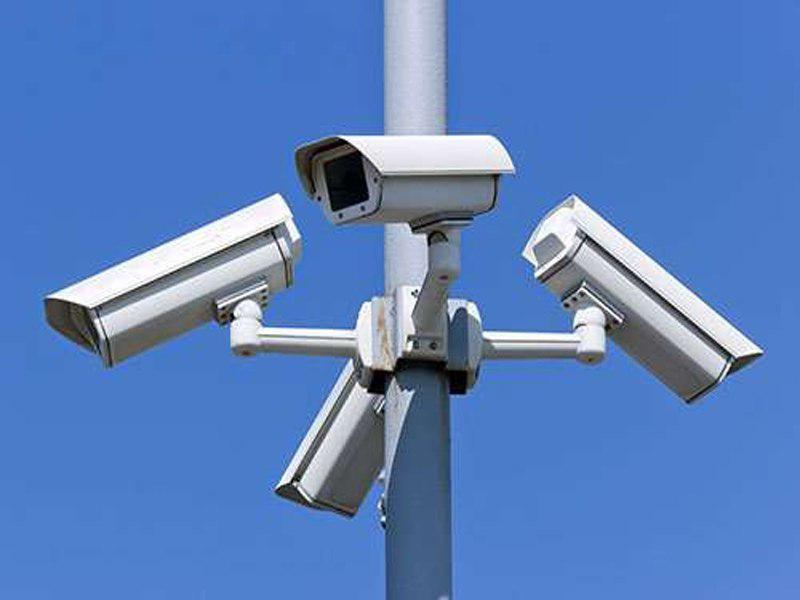 تصویر دوربین های امنیتی در مساجد، زیارتگاه ها و معابد شناخته شده در کشمیر نصب می شوند