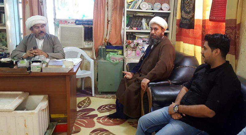 تصویر ملاقات اعضای مؤسسه حضرت ام البنین سلام الله علیها با نماینده آیت الله العظمی سیستانی در شهر العماره