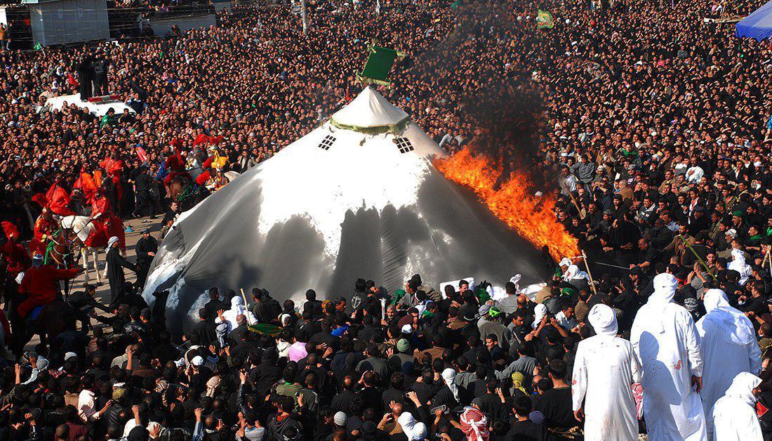 تصویر اعلام مکان برگزاری مراسم نمادین سوزاندن خیمه ها در کربلا در روز عاشورا