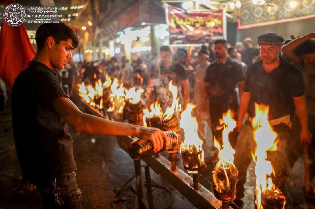 تصویر گزارش تصویری ـ عزداری سنتی مشعل گردانی شیعیان در شهر مقدس نجف در محرم الحرام 1440
