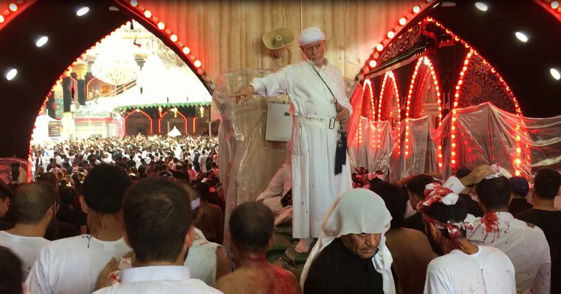 تصویر برگزاری سوگواره خون و شمشیر، عزای مقدس «قمه زنی» در صبح روز عاشورا