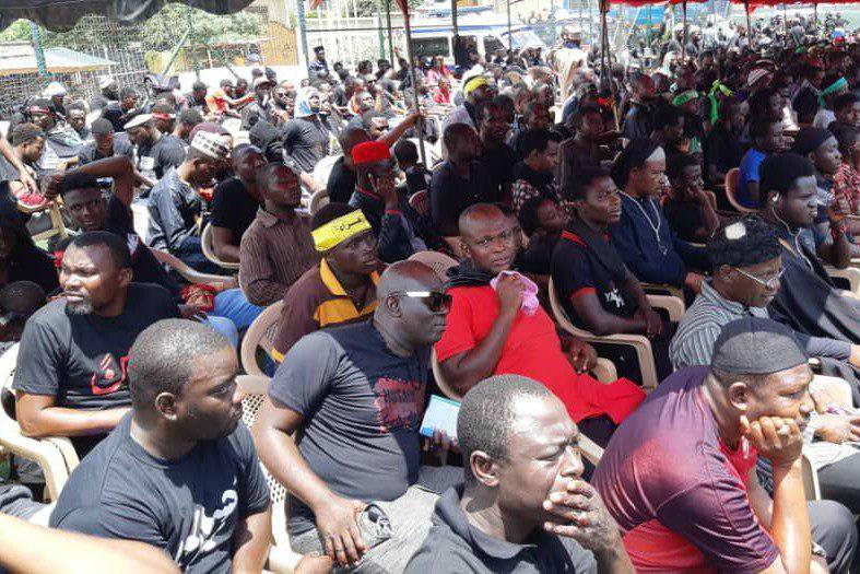 تصویر مراسم نمادین حرکت کاروان اسرای کربلا در غنا