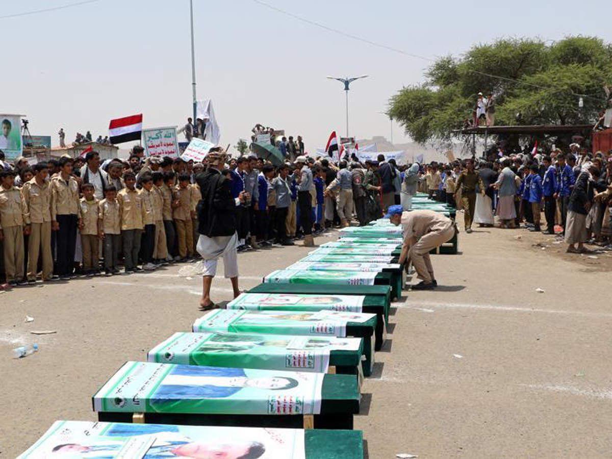 تصویر شهادت ۱۲۴۸ کودک یمنی از آغاز حملات ائتلاف متجاوز سعودی