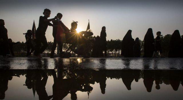 تصویر گزارش تصویری ـ پیاده روی زائران اربعین حسینی به سوی کربلای معلی
