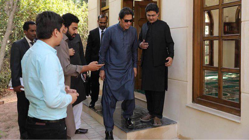 تصویر نخست وزیر پاکستان مسجدی را در محل سکونتش بنا کرد