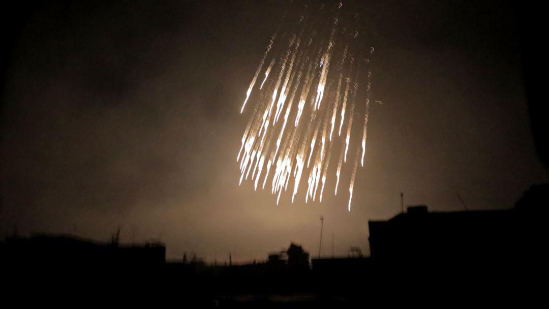 تصویر حمله ائتلاف آمریکایی با بمبهای فسفری به شرق سوریه