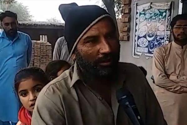 تصویر مفتی وهابی ازدواج اهالی یک روستا در پاکستان را باطل اعلام کرد