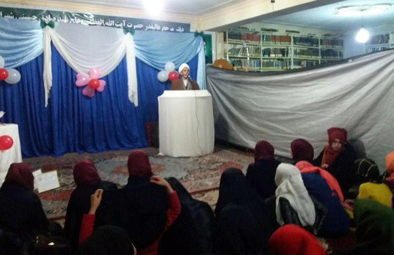 تصویر ارائه اولین تحقیقات گروه پژوهشی طلاب حوزه علمیه حضرت فاطمه معصومه سلام الله علیها در کابل