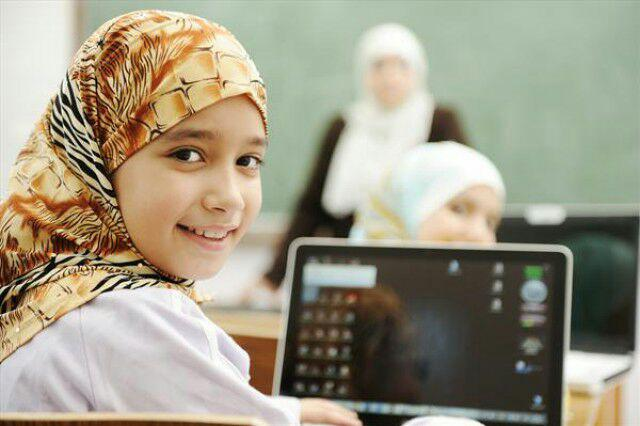 تصویر اعتراض روحانیان شیعه به قانون ممنوعیت حجاب برای دختران زیر 10سال در اتریش