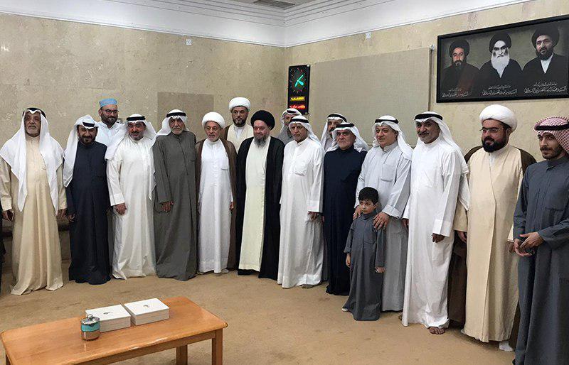 تصویر استقبال عموم مؤمنان از آیت الله سید حسین شیرازی در کشور کویت
