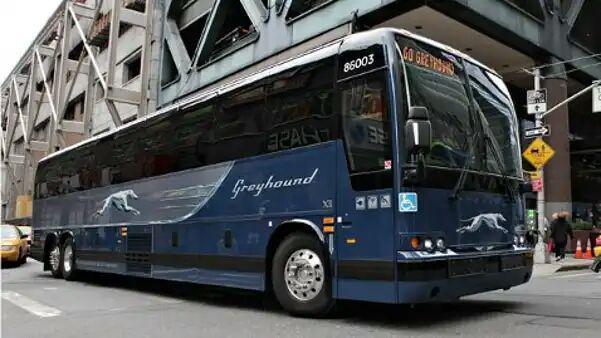 تصویر اخراج مرد مسلمان از اتوبوس به خاطر عربی حرف زدن