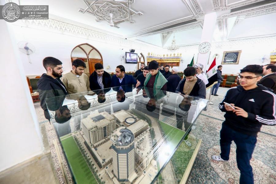 تصویر تشرف دانشجويان مسلمان آمریکایی و انگلیسی به حرم مطهر امیرالمومنین امام علی علیه السلام