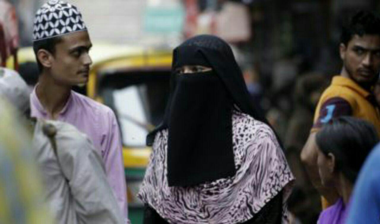 تصویر تمجید نماینده کنگره هند از قوانین خانواده در قرآن