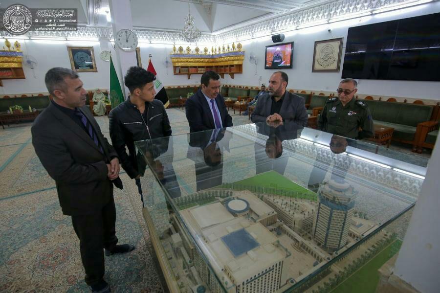 تصویر حضور سفیر تونس در حرم مطهر علوی