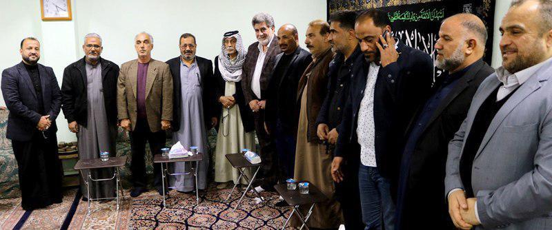 تصویر حضور جمعی از فرماندهان الحشد الشعبی در مرکز روابط عمومی دفتر مرجعیت شيعه در شهر مقدس کربلا